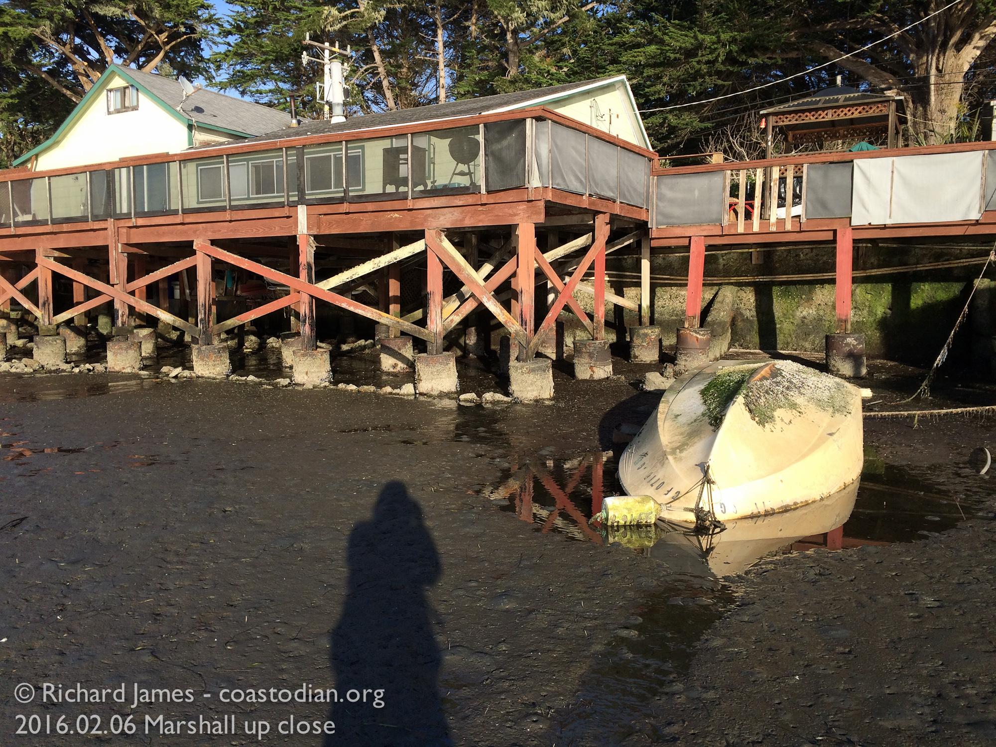 Capsized boat ©Richard James - coastodian.org